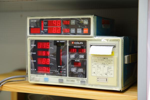 インプラントオペ用血圧・血中酸素濃度測定器